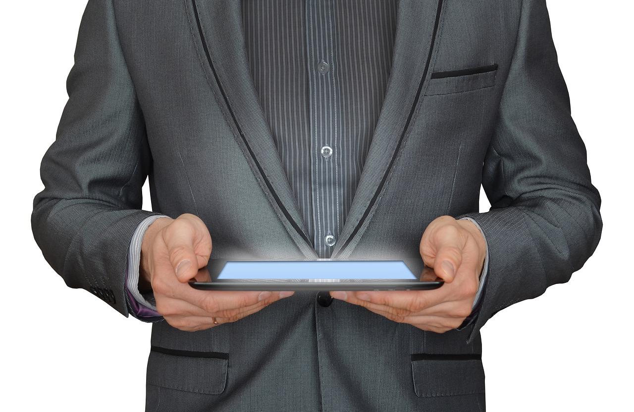 Monitoring internetowy- tańszy zamiennik monitorowania tradycyjnego