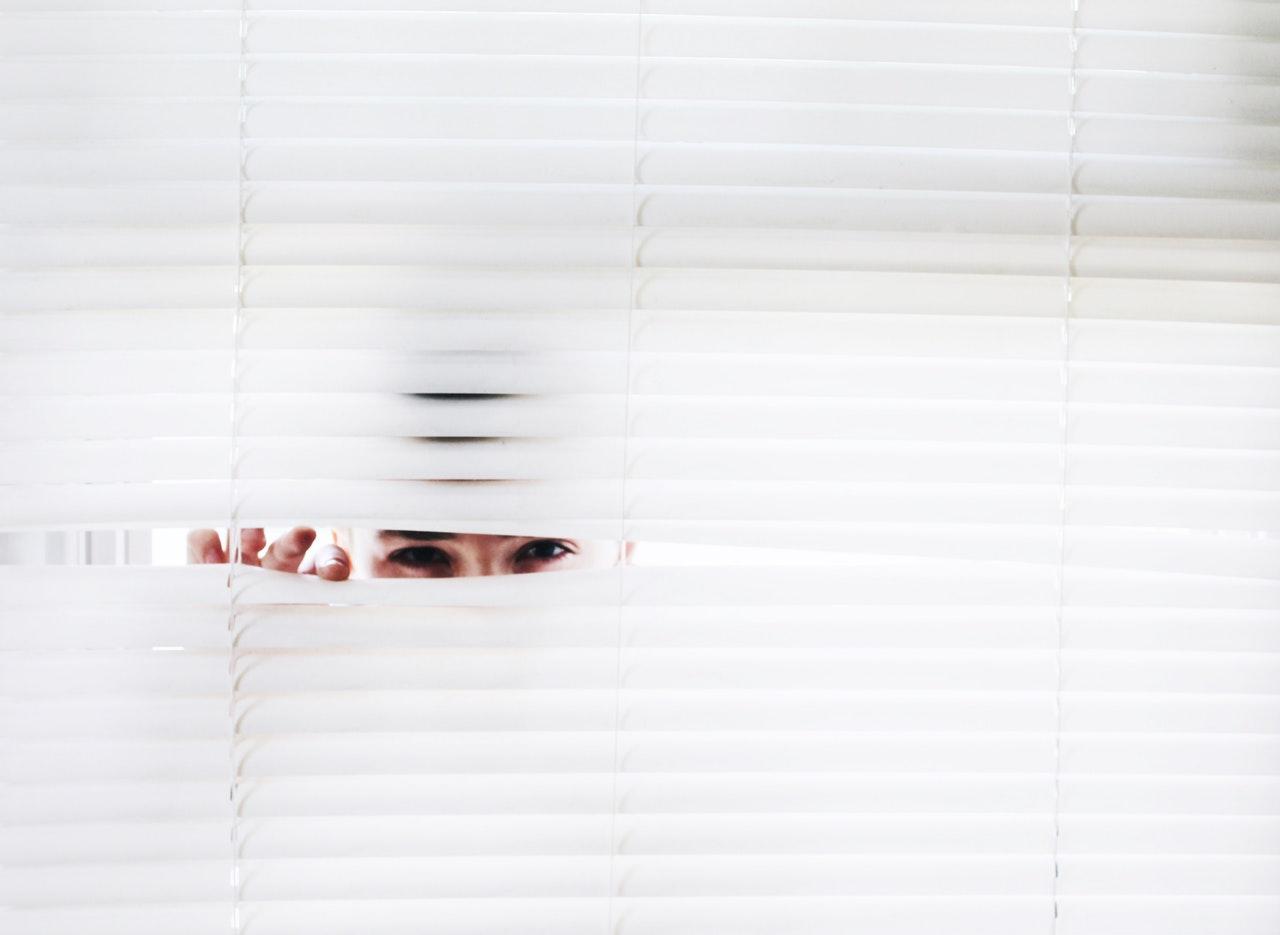 Jak wykryć urządzenia szpiegowskie?