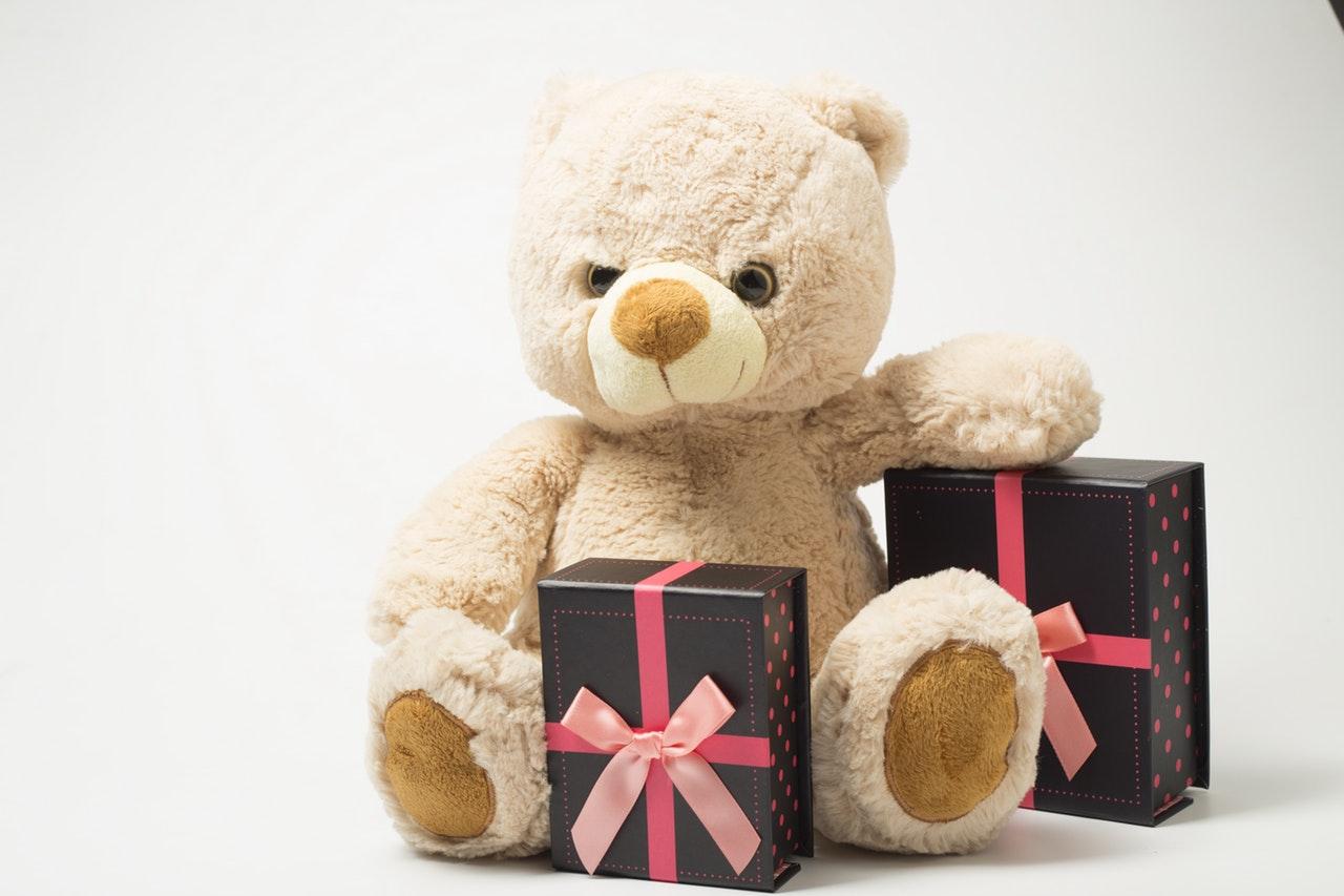 Świąteczne prezenty dla dziecka – jakie zabawki wybrać?